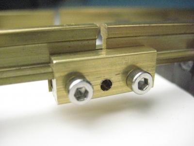 60/151 - 10 x Schienenverbinder aus Messing, 2-teilig