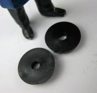 LGB Ersatzteil - 2085/105, 2 schwarze  Kunststoff- Beilagscheiben Ø 15 mm