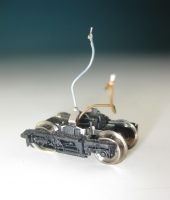 Drehgestell für Zwischenwagen VT11, komplett m. Kontakten und Stromabnahme