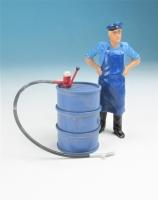 59600 F - Stehendes Ölfass (blau) mit Pumpe im Maßstab 1:22,5