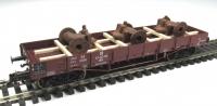 DUHA 11577 A - 3 gealterte Pumpen auf Holzgestell montiert